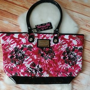 Betseyville tote. OS